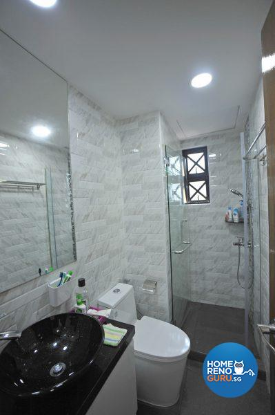 Downlights illuminate the common bathroom
