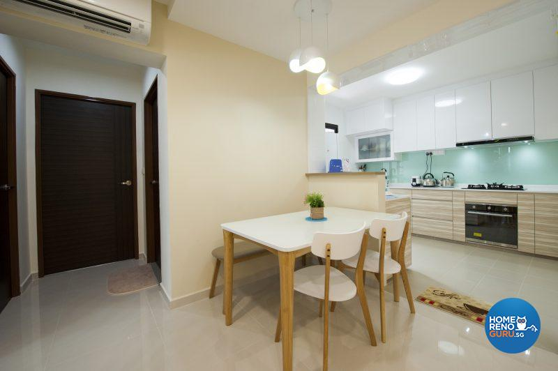 The open concept kitchen and dining area complies with feng shui prinicples