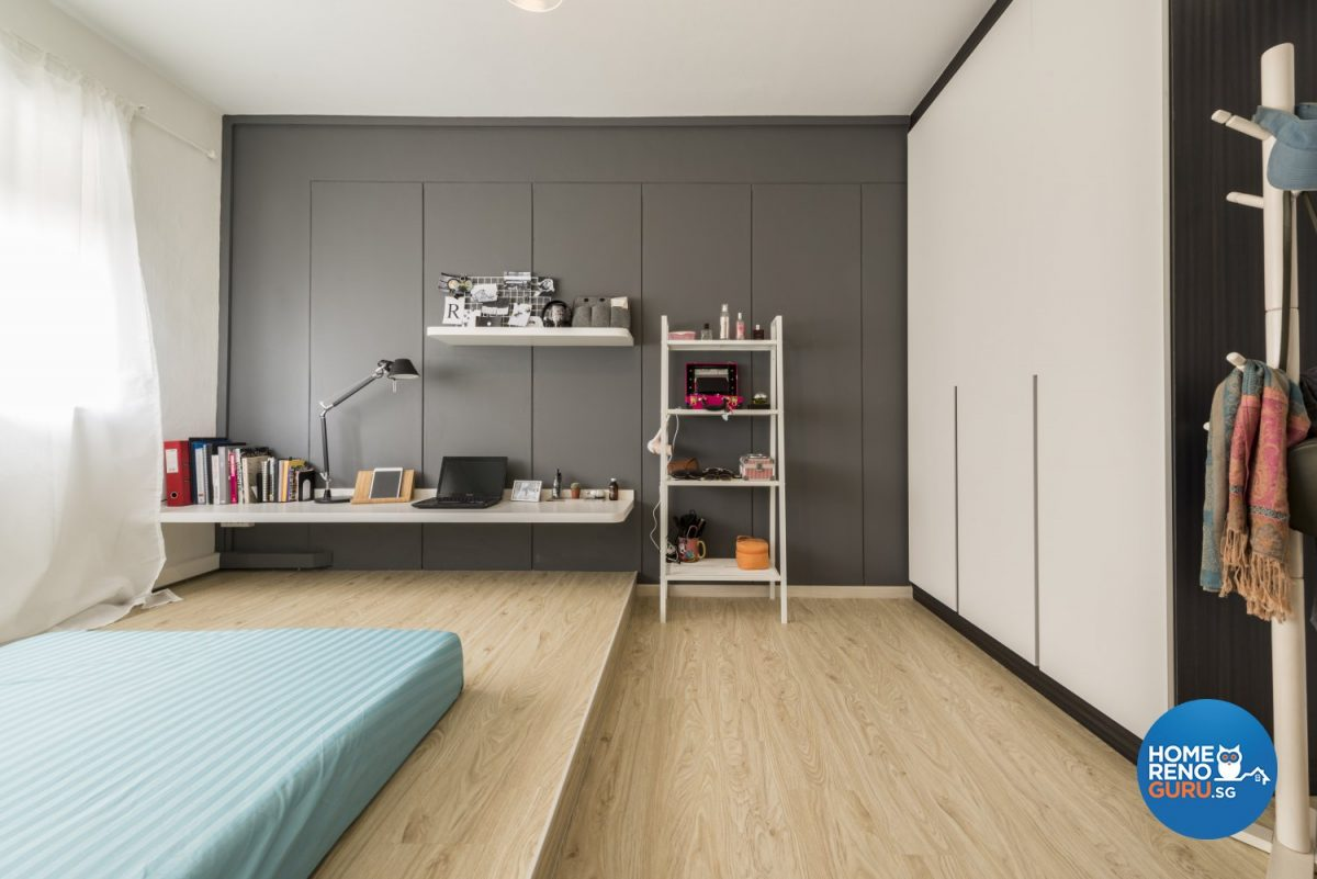 Bedroom of a 5 room HDB designed by Leef Deco