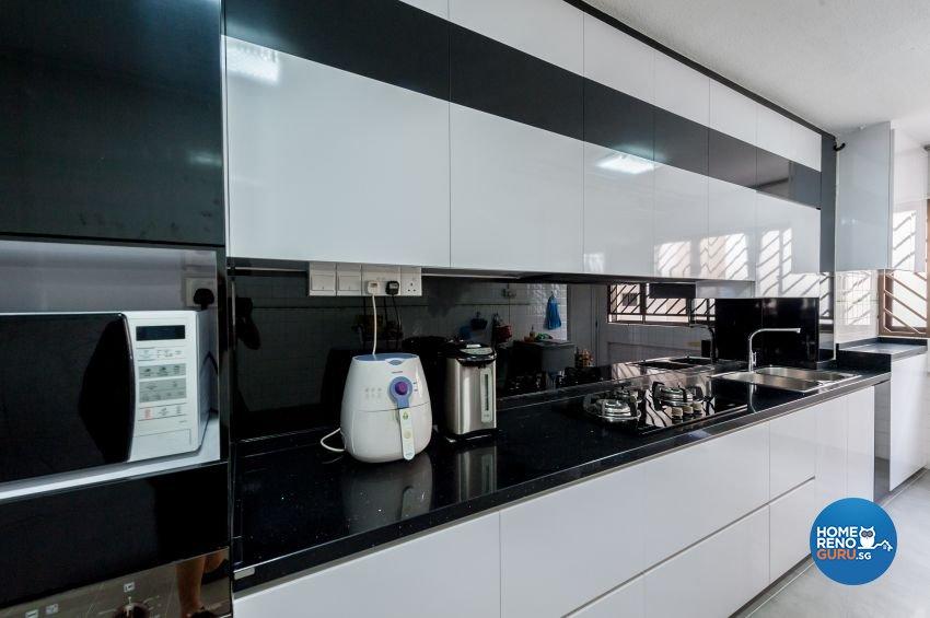 Quartz Kitchen Backsplash by MJS Interior