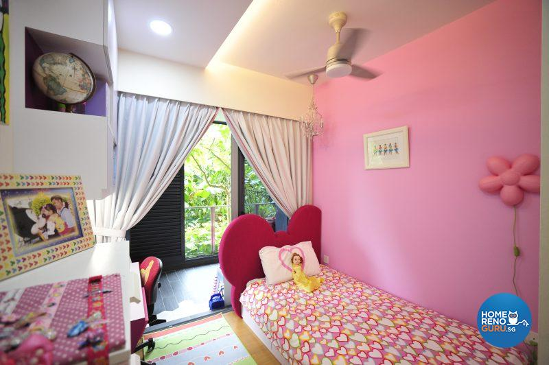 Chloe's princess-pink bedroom!