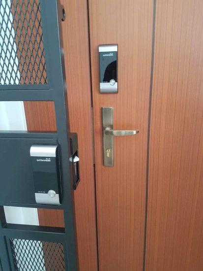 Types of door suitable for digital locks - Wooden door