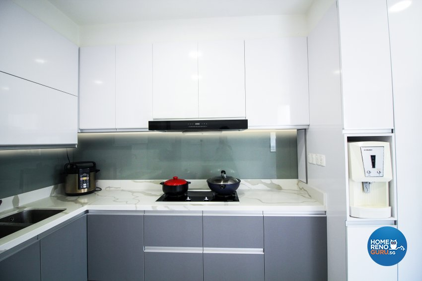 Contemporary, Modern Design - Kitchen - HDB 4 Room - Design by 3+i DESIGN STUDIO
