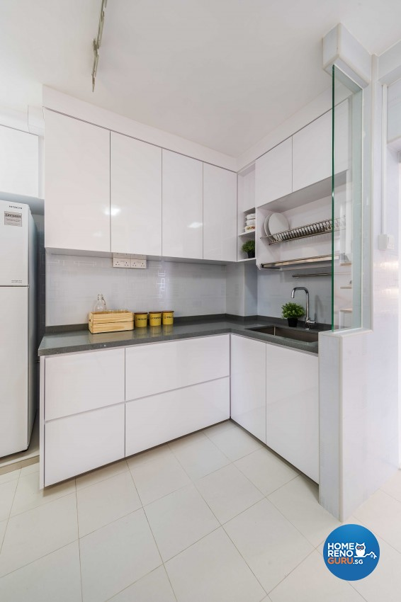 Modern Design - Kitchen - HDB 5 Room - Design by ARTS 2 DESIGN STUDIO PTE LTD
