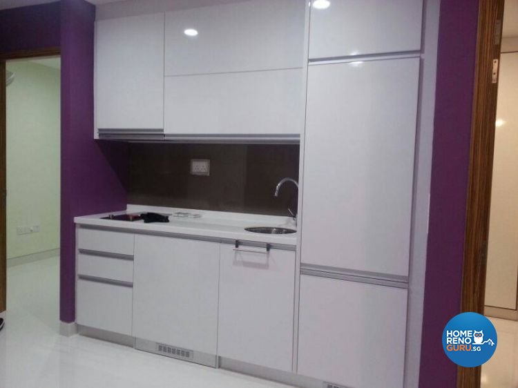 Modern Design - Kitchen - Condominium - Design by BuiltSpacez Design Pte Ltd