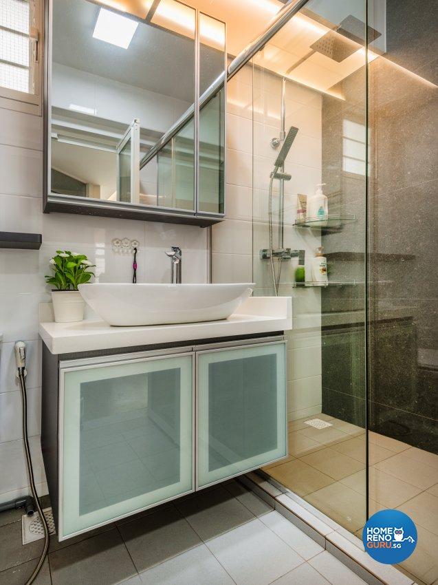 Contemporary, Minimalist, Modern Design - Bathroom - HDB 4 Room - Design by Darwin Interior