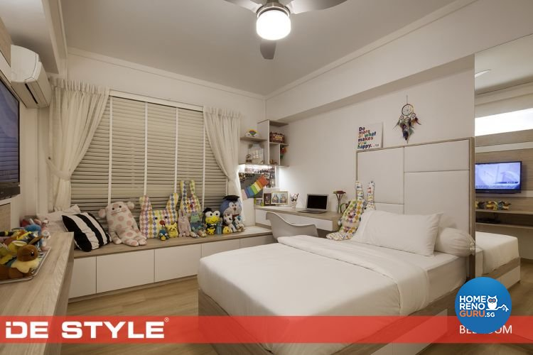 Contemporary, Modern Design - Bedroom - HDB 5 Room - Design by De Style Interior Pte Ltd