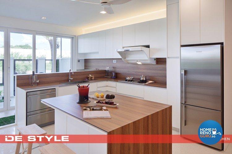 Minimalist Design - Kitchen - Landed House - Design by De Style Interior Pte Ltd