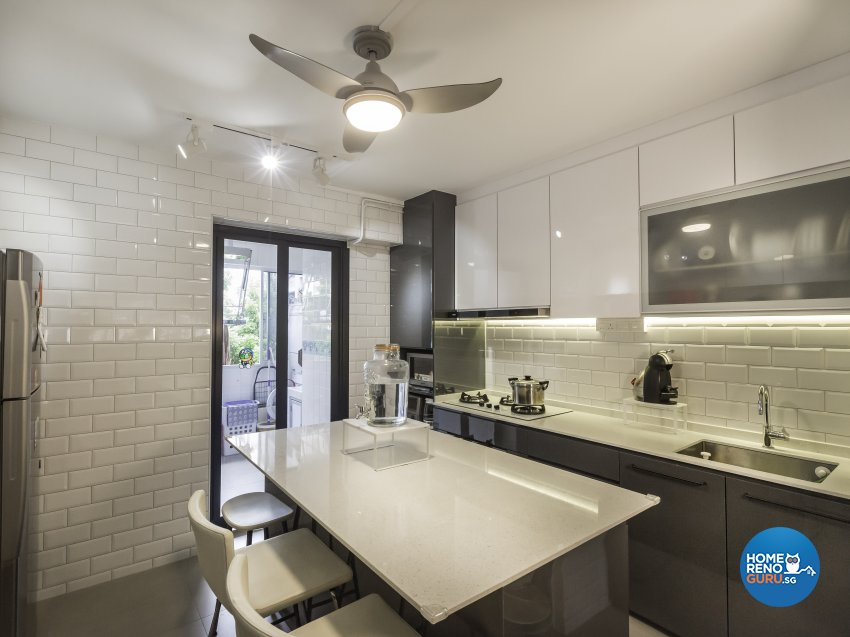 Contemporary Design - Kitchen - HDB 5 Room - Design by Des & Co Interior Pte Ltd