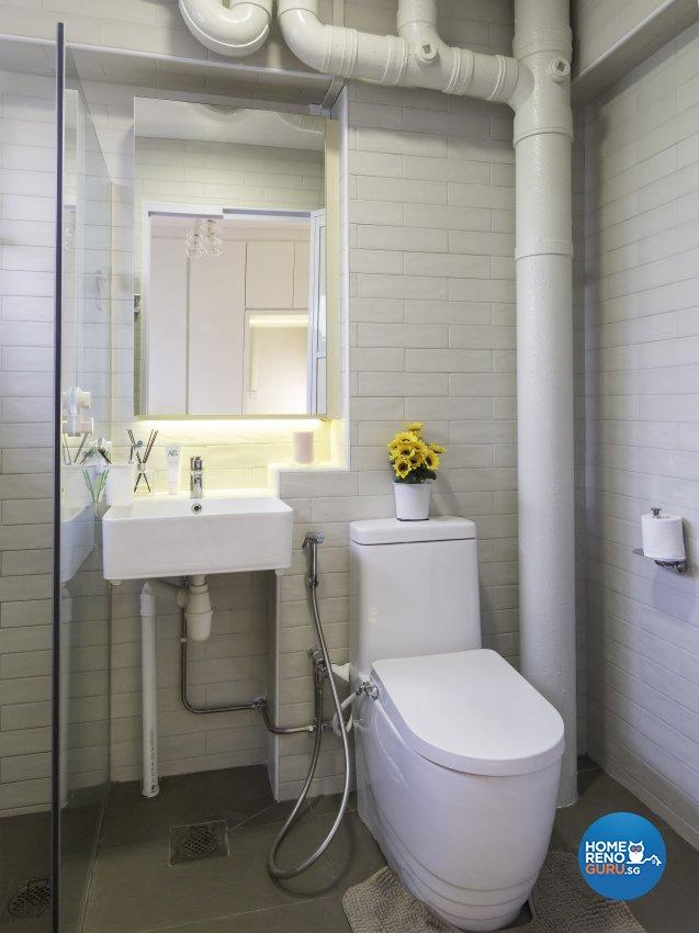 Contemporary Design - Bathroom - HDB 5 Room - Design by Des & Co Interior Pte Ltd