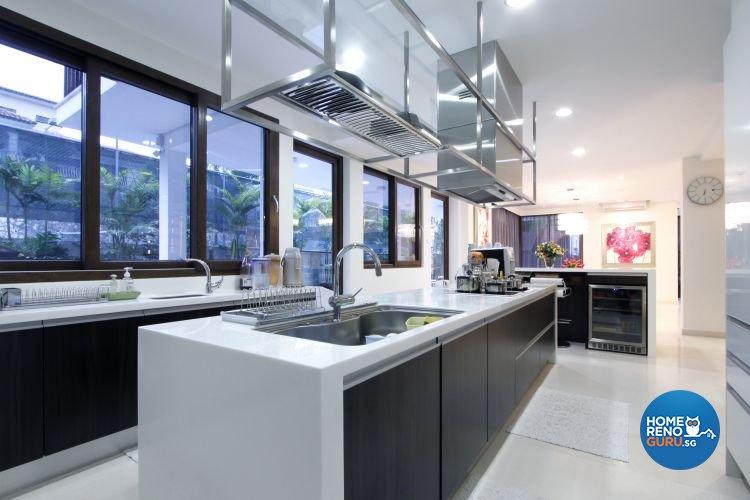 Contemporary, Modern Design - Kitchen - Landed House - Design by Designscale Pte Ltd