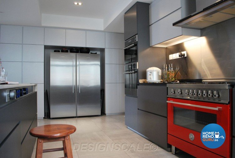Contemporary, Modern Design - Kitchen - Condominium - Design by Designscale Pte Ltd