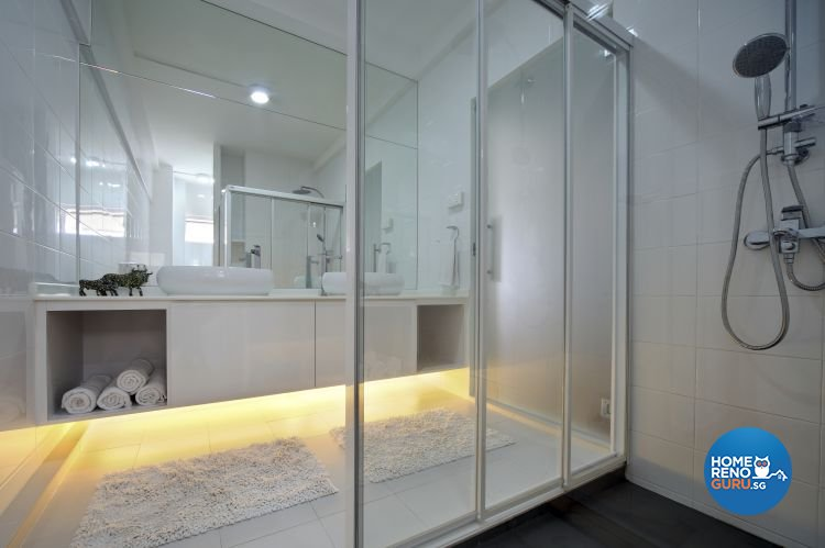 Minimalist Design - Bathroom - HDB Executive Apartment - Design by Distinctidentity Pte Ltd