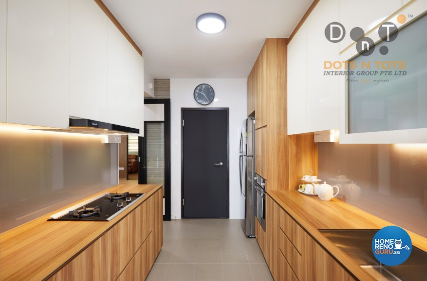 Modern Design - Kitchen - HDB 5 Room - Design by Dots n Tots Interior Pte Ltd