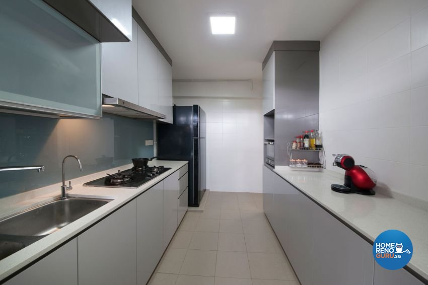 Minimalist, Modern, Tropical Design - Kitchen - HDB 4 Room - Design by DreamCreations Interior Pte Ltd