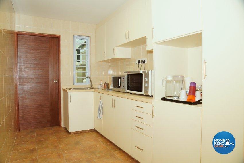 Contemporary, Minimalist Design - Kitchen - Landed House - Design by Dreamvision Designer Pte Ltd