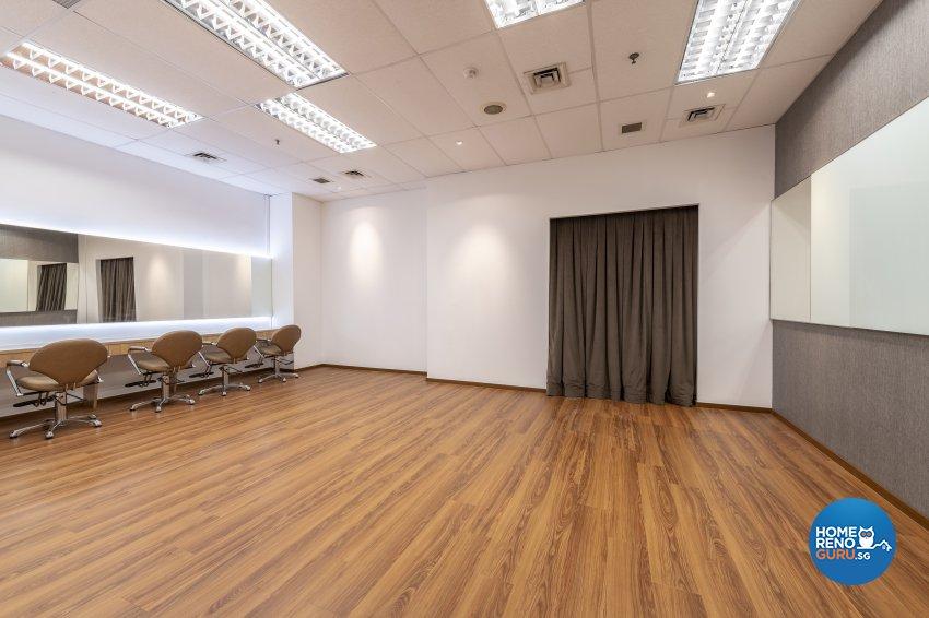 Contemporary Design - Commercial - Office - Design by DS 2000 Interior & Design