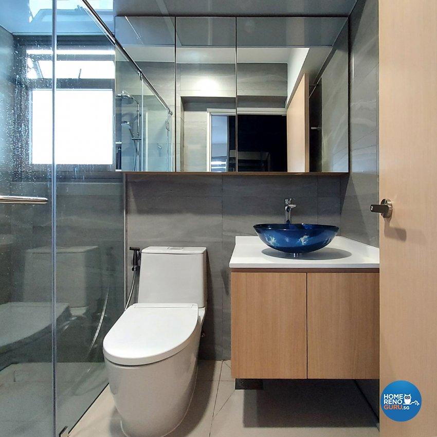 Contemporary Design - Bathroom - HDB Studio Apartment - Design by Edgeline Planners Pte Ltd