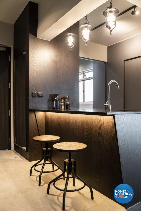 Industrial Design - Kitchen - HDB 5 Room - Design by Fineline Design Pte Ltd