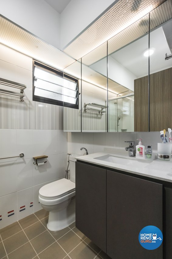 Contemporary, Eclectic Design - Bathroom - HDB 4 Room - Design by Flo Design Pte Ltd