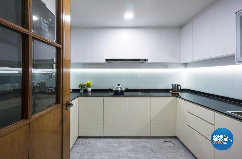 Contemporary, Modern Design - Kitchen - Condominium - Design by Flo Design Pte Ltd