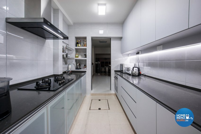 Contemporary Design - Kitchen - Landed House - Design by Flo Design Pte Ltd