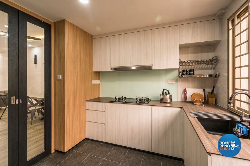 Contemporary, Modern Design - Kitchen - Condominium - Design by Home Concepts Interior & Design Pte Ltd