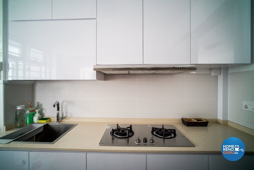 Minimalist Design - Kitchen - HDB Studio Apartment - Design by How 2 Design Pte Ltd