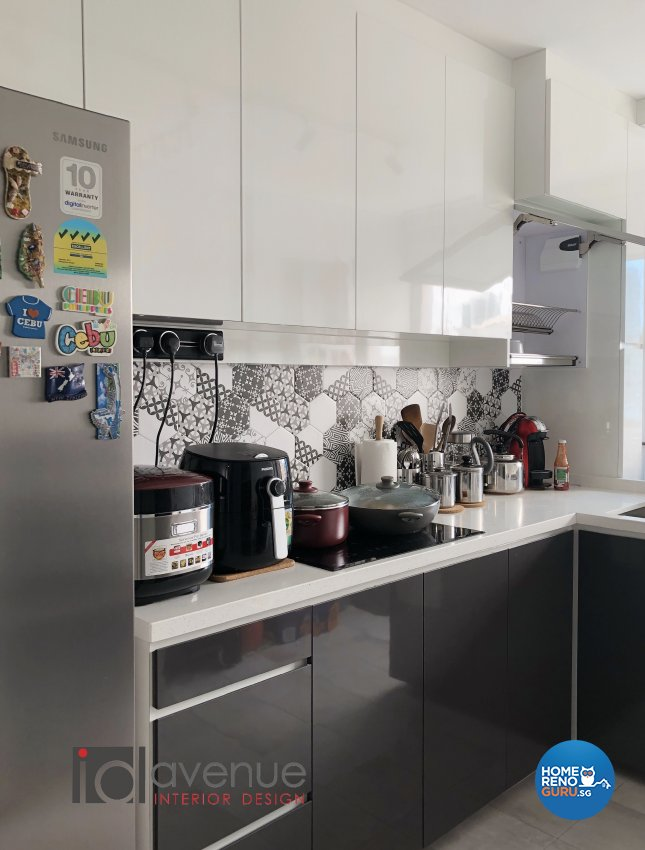 Contemporary, Modern Design - Kitchen - HDB 4 Room - Design by ID Avenue Pte Ltd (Interior Design Avenue)