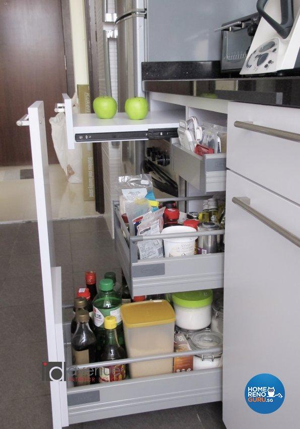 Contemporary, Modern Design - Kitchen - Condominium - Design by ID Avenue Pte Ltd (Interior Design Avenue)