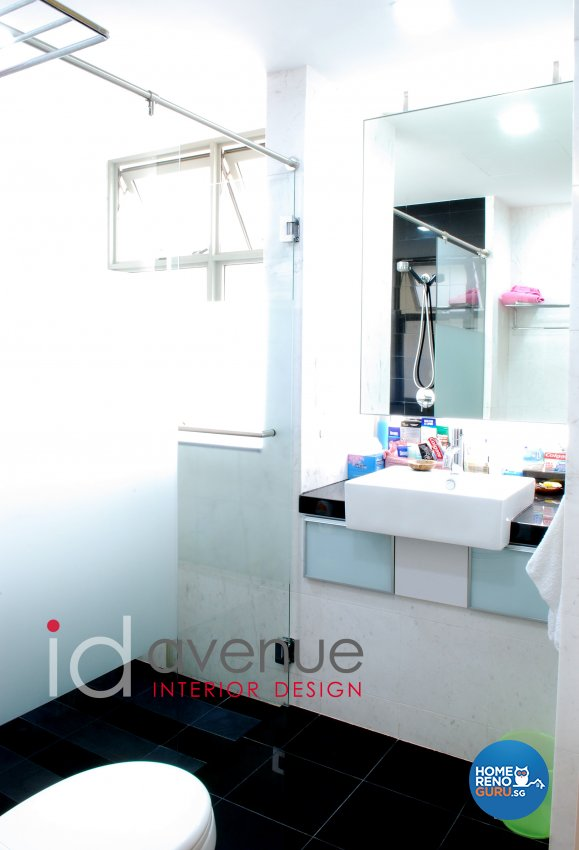 Contemporary, Modern Design - Bathroom - Condominium - Design by ID Avenue Pte Ltd (Interior Design Avenue)