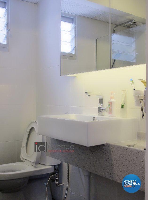 Contemporary, Modern Design - Bathroom - HDB 5 Room - Design by ID Avenue Pte Ltd (Interior Design Avenue)