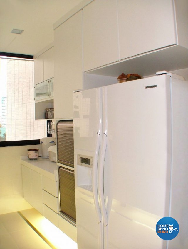 Contemporary, Modern Design - Kitchen - Condominium - Design by Inner View Design & Contracts Pte Ltd