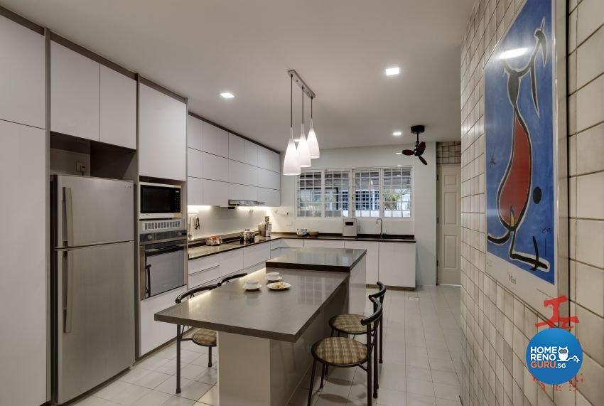 Modern Design - Kitchen - Landed House - Design by Koong Yee Renovation Works Pte Ltd