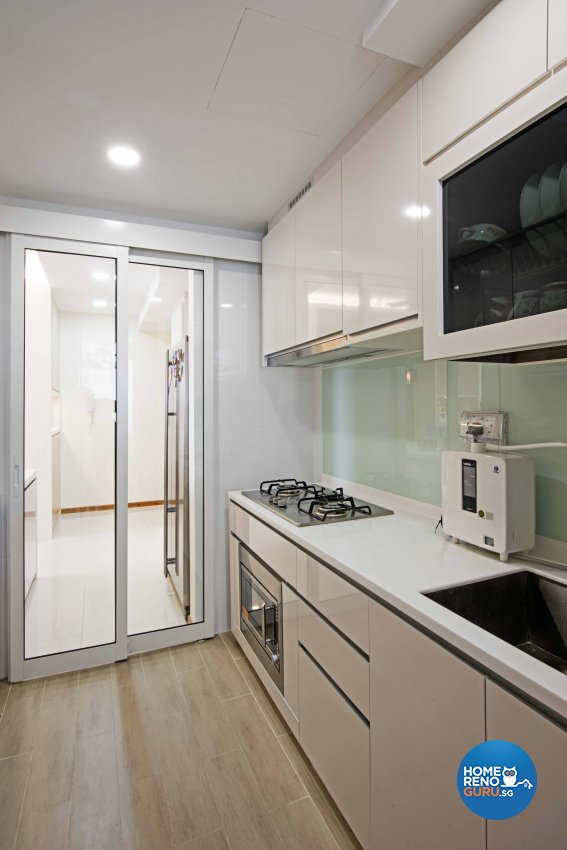 Contemporary, Modern Design - Kitchen - Condominium - Design by Luxurious Design Pte Ltd