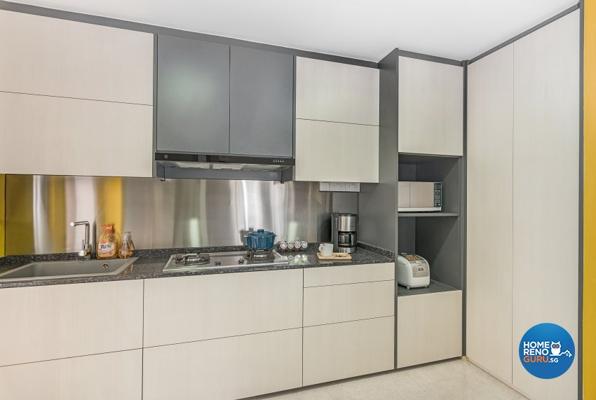 Modern Design - Kitchen - Landed House - Design by Luxurious Design Pte Ltd