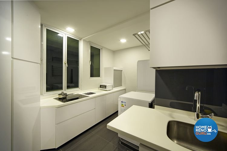 Contemporary, Modern Design - Kitchen - Condominium - Design by Pavillion Creation Pte Ltd