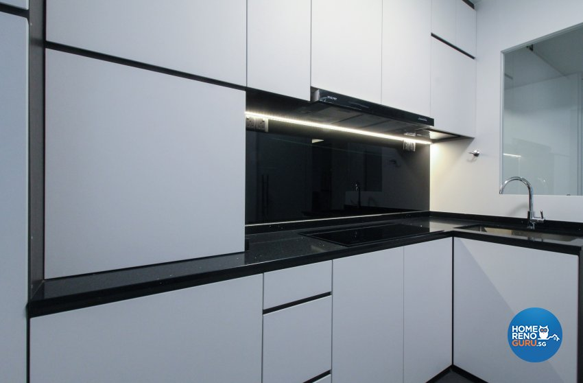 Contemporary, Minimalist, Modern Design - Kitchen - HDB 4 Room - Design by Sense & Semblance Pte Ltd
