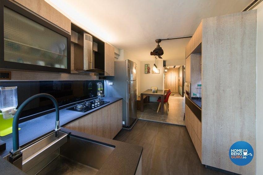 Industrial Design - Kitchen - HDB 4 Room - Design by Space Vision Design Pte Ltd