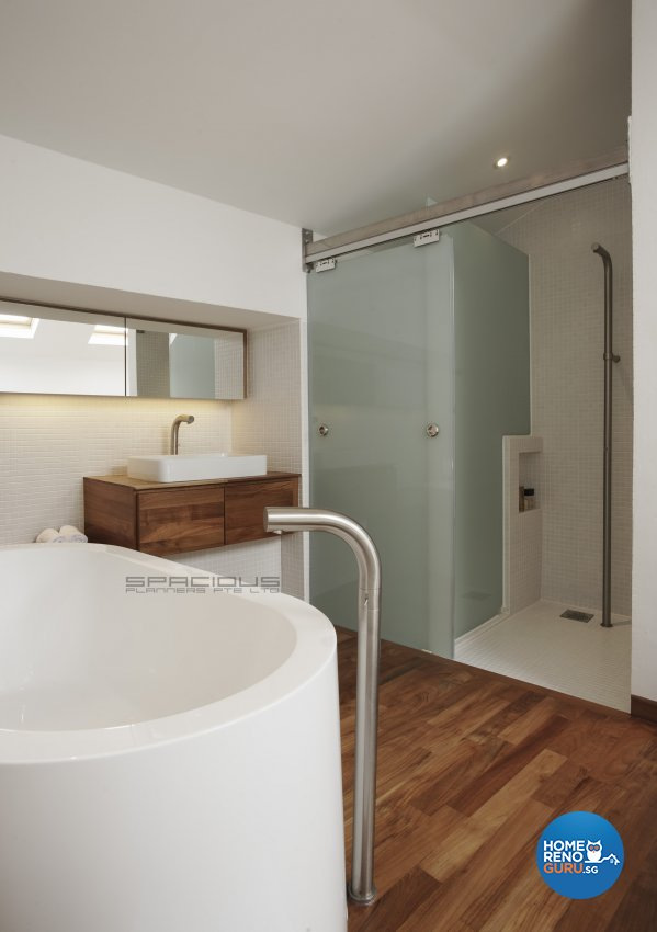 Eclectic, Minimalist, Modern Design - Bathroom - Landed House - Design by Spacious Planners Pte Ltd