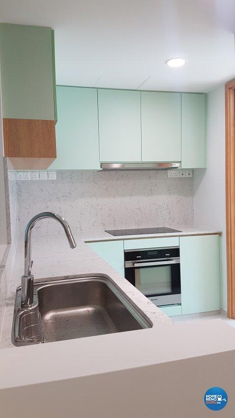 Minimalist, Modern Design - Kitchen - Condominium - Design by Spire Id Pte Ltd