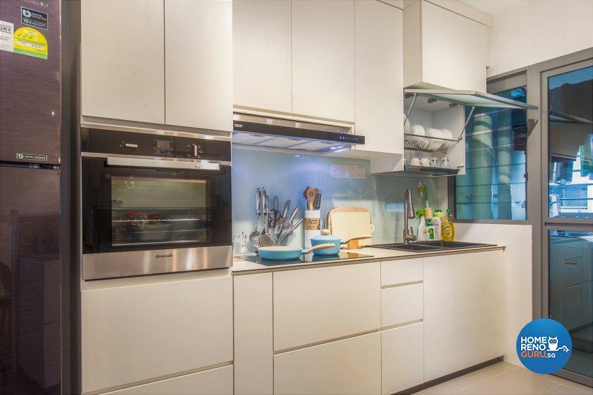 Minimalist, Resort Design - Kitchen - HDB 5 Room - Design by The Two Big Guys LLP
