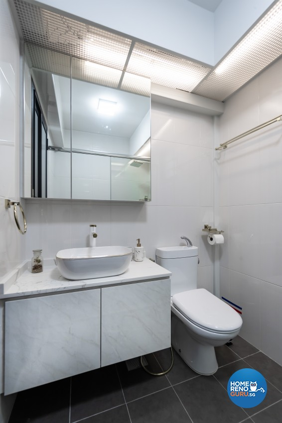 Modern Design - Bathroom - HDB 5 Room - Design by U-Home Interior Design Pte Ltd